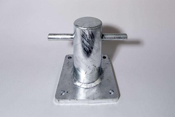 Bolder of penbolder op voetplaat van thermisch verzinkt staal